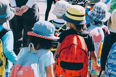 Wytyczne GIS dla kolonii i obozów: 12 godzin na odbiór chorego dziecka
