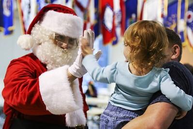 Czy Święty Mikołaj istnieje - jak rozmawiać z dziećmi?