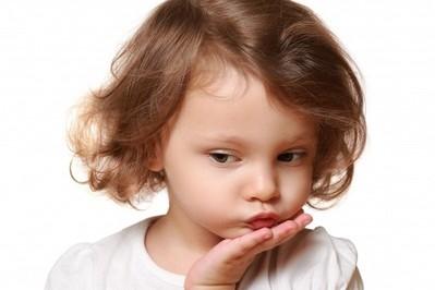 EKSPERT RADZI: Jak rozmawiać z dzieckiem na trudne tematy?