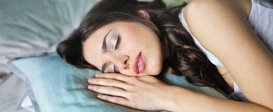 10 KROKÓW do dobrego snu: jak szybciej zasypiać?
